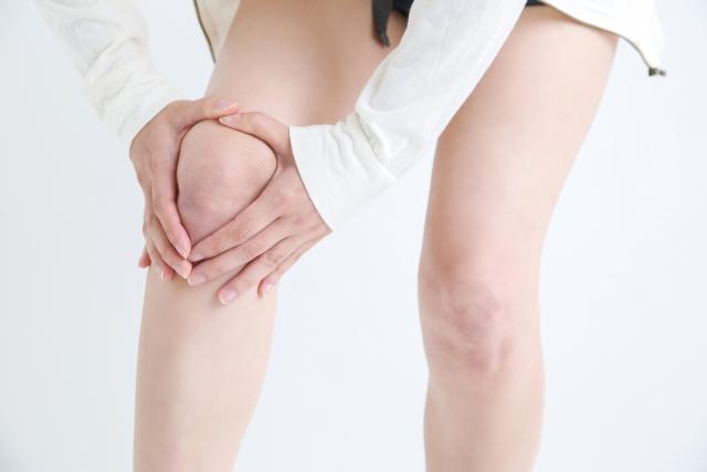 痛いのは膝