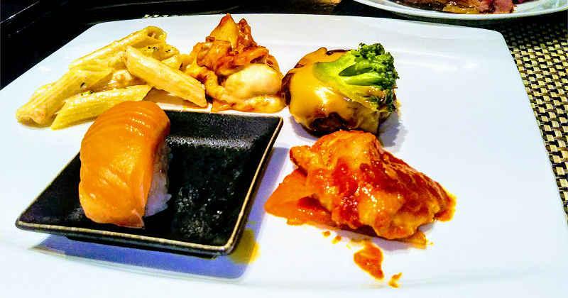寿司と肉とパスタとラザニア