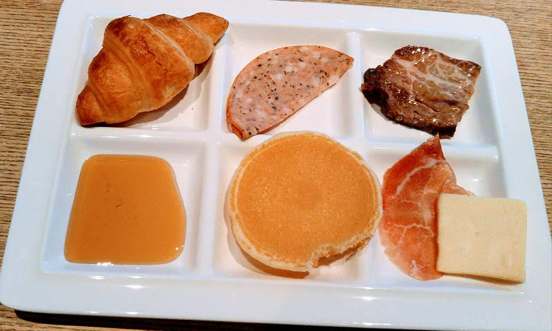 洋食~お肉とパン~