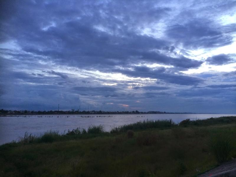 mekong_river_vientiane