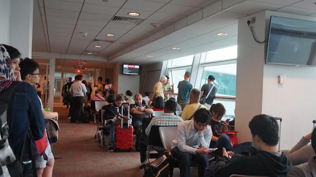 KL_airport_departure