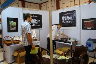 mountaincoffee_booth