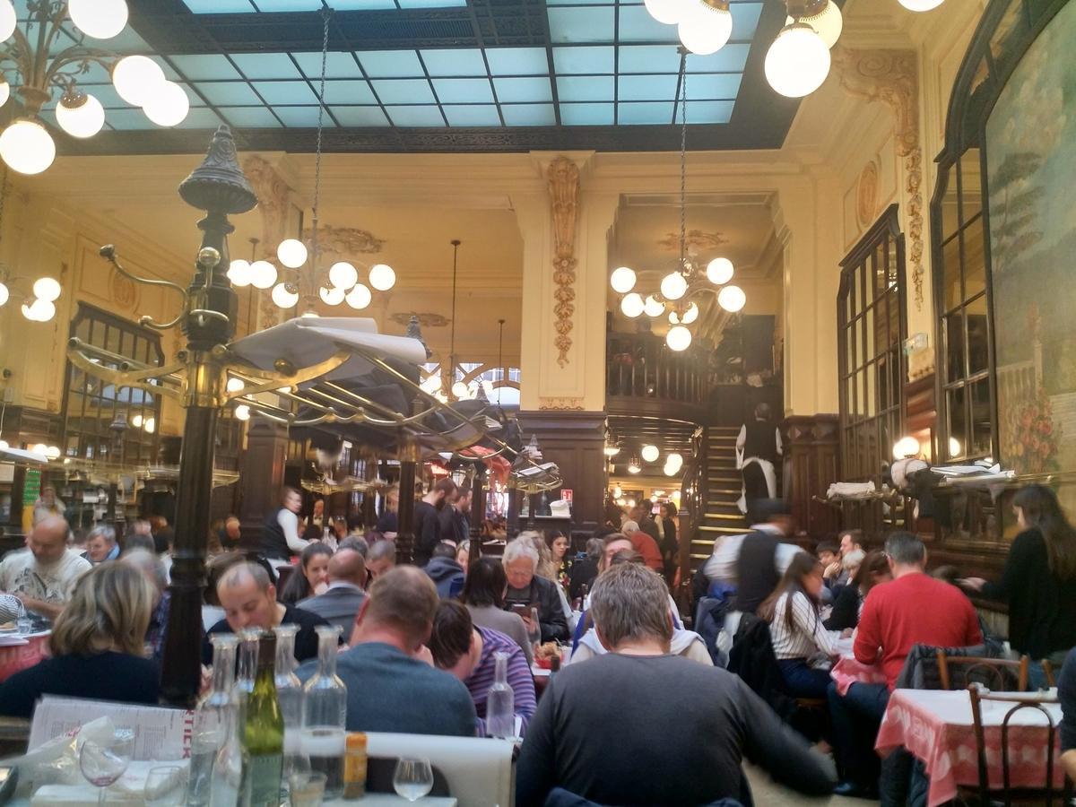 パリの大衆食堂 シェルティエ