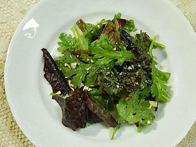 春菊とレタスのサラダ