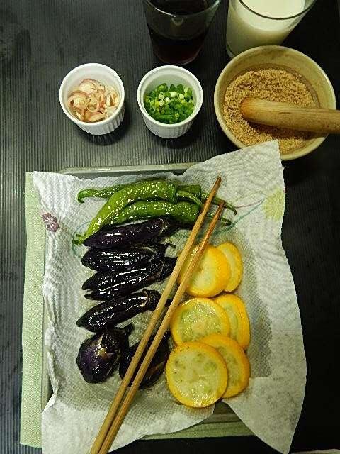 野菜を素揚げ