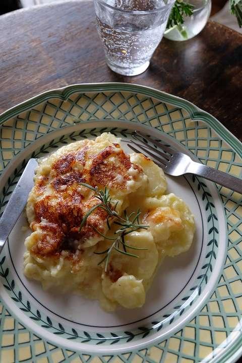 ジャガイモのチーズグラタン