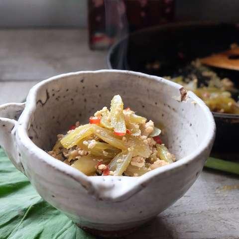 フキと鶏ひき肉の炒り煮