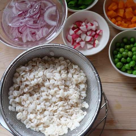 野菜を切って準備