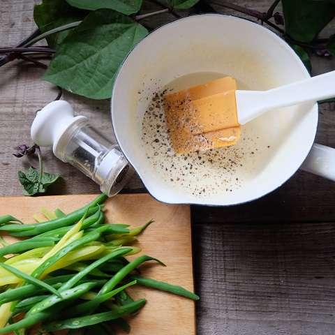 カマンベールチーズのソースを作る