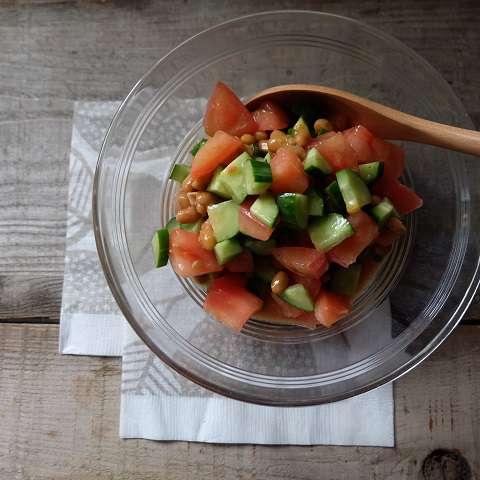 納豆と夏野菜のサラサラサラダ