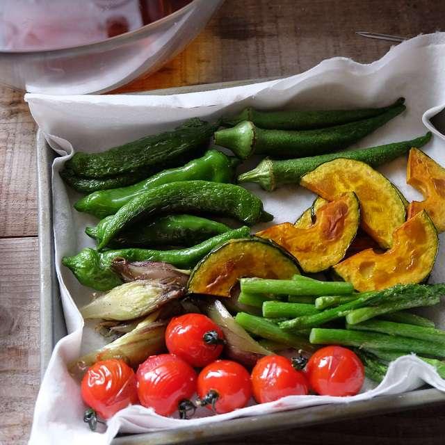 揚げた野菜たちの写真