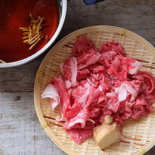 肉の甘辛煮の材料