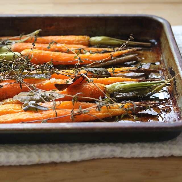 塩・コショウをし、200°Cのオーブンで約45分間焼く。