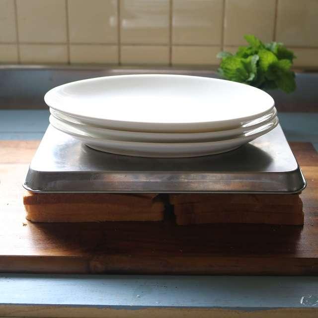 重石をのせ、15分程度おいてパンと具を馴染ます