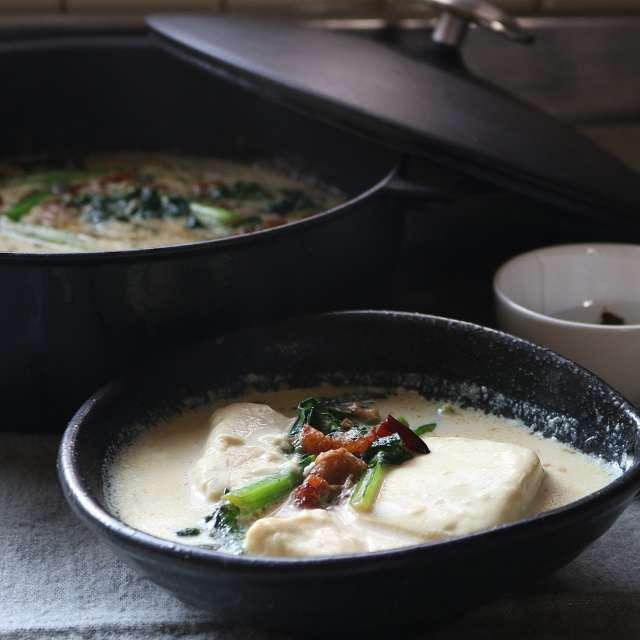 おぼろ豆腐入り中華風豆乳鍋
