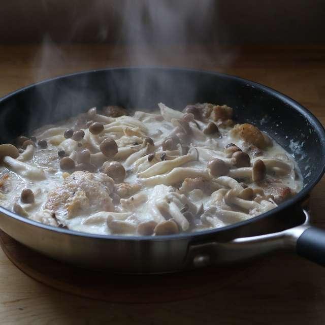 豆乳を加えて1〜2分煮、しめじを加えて更に2分ほど煮る