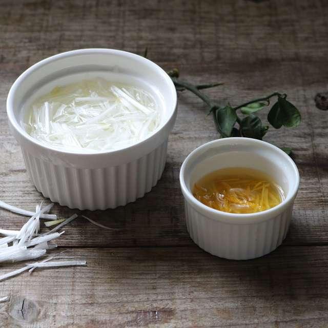 白髪ネギと柚子の千切りを作る