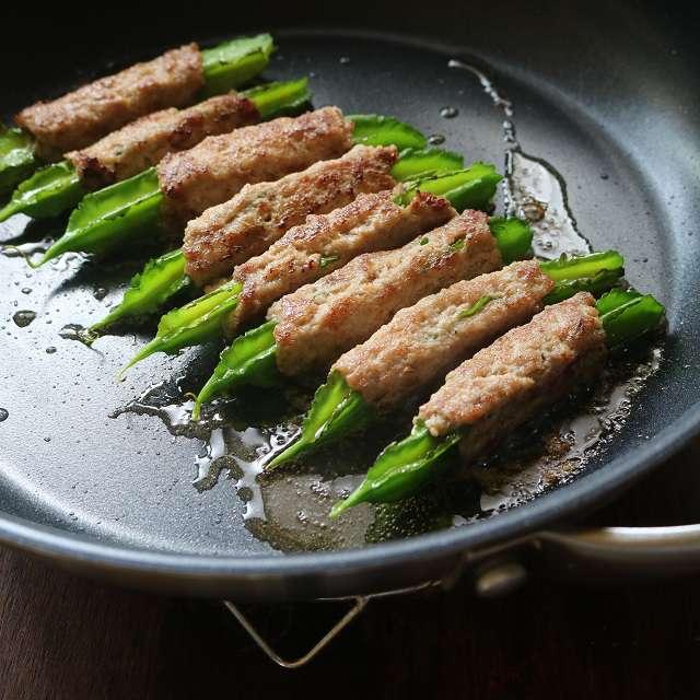 サラダ油を熱し、すべての面を焼き、それを2度繰り返す