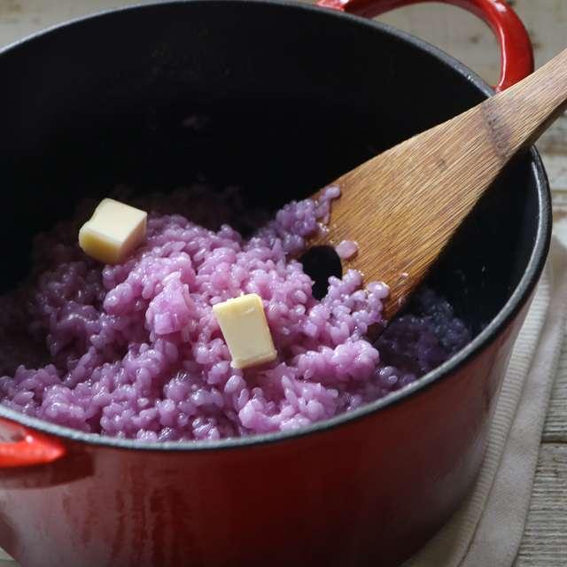 15~18分間炒め煮にし、残りのバターと塩(分量外)で味を調える