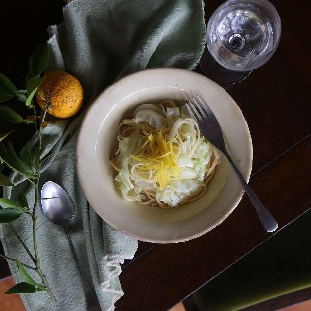 キャベツと柚子胡椒のパスタ