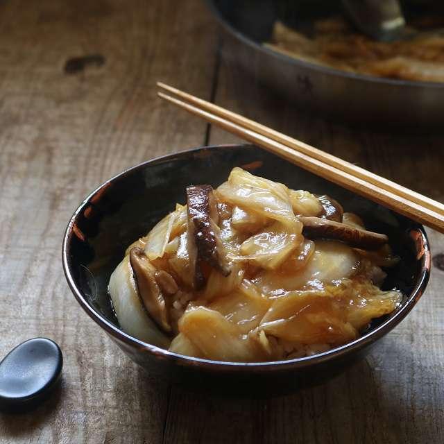 白菜と干し椎茸だけの中華丼