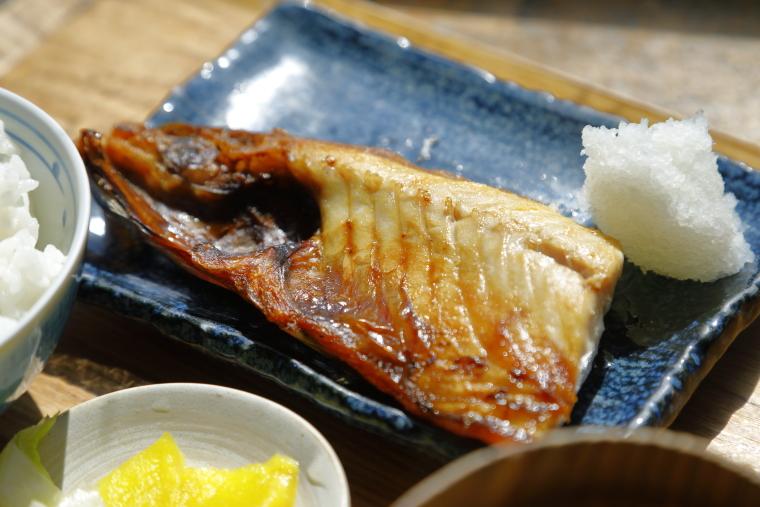 鎌倉「ヨリドコロ」のさば(半分)定食