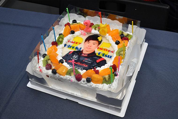 大津選手の誕生日ケーキ