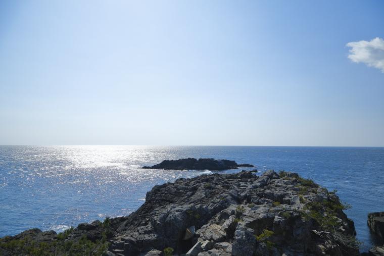 御崎岬海岸遊歩道から眺めた太平洋