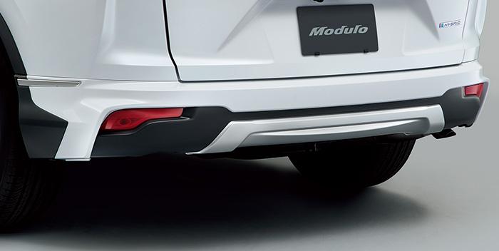 Honda「CR-V」のリアエアロバンパー 。リアスポイラーの一種