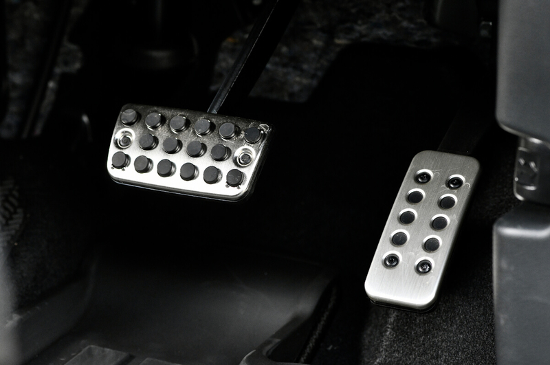 Honda軽自動車N-BOXの純正アクセサリー「スポーツペダル」