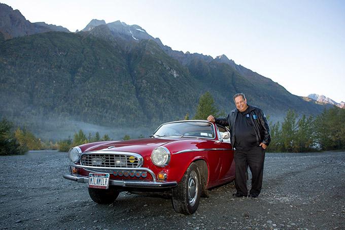 アメリカ人のアーヴィン・ゴードン氏は、1966年にP1800を購入してからマイレージを延ばし続け、2013年には300万マイル(約480万キロメートル)を走行。ギネスブックから世界最長走行車として認定された。