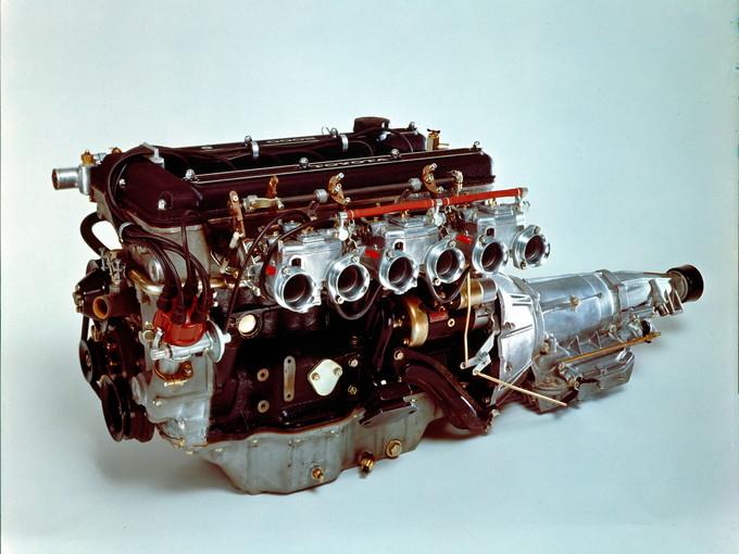 トヨタ2000GTのエンジン
