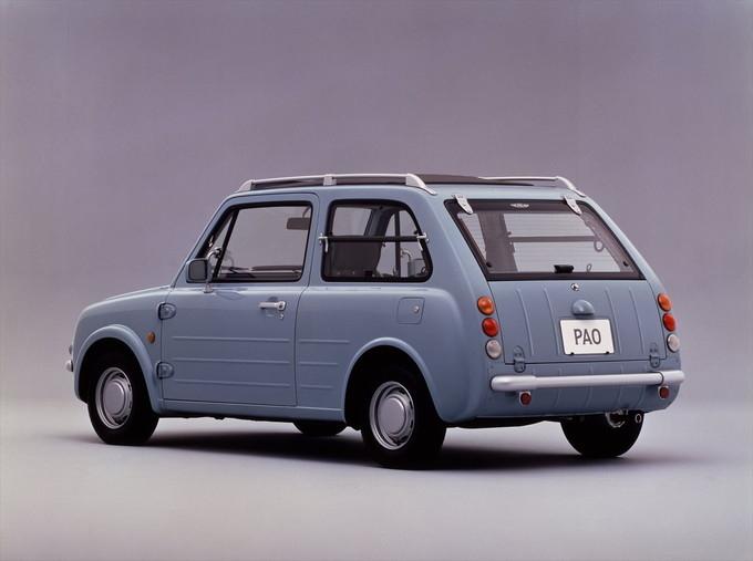 Be-1に次いで1989年に発売になったPAO(パオ)。運転席と助手席に設けられた三角窓や、外付のドアヒンジがクラシック感を醸し出す。