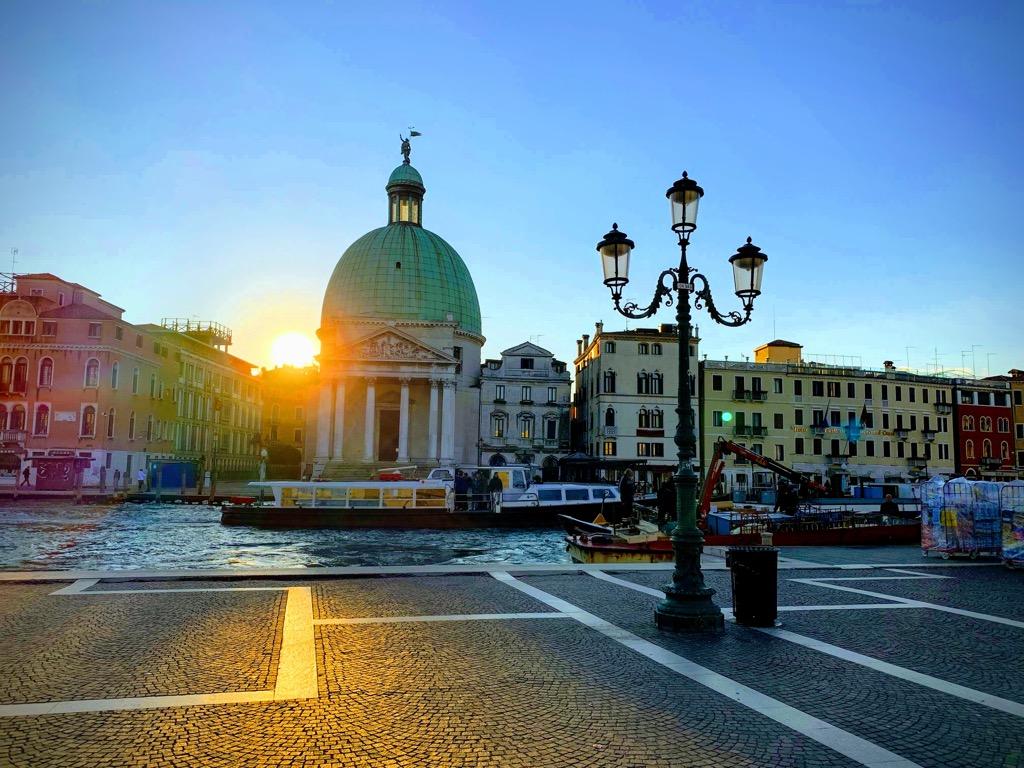 ジョジョのイタリア聖地巡礼 黄金の風邪の画像