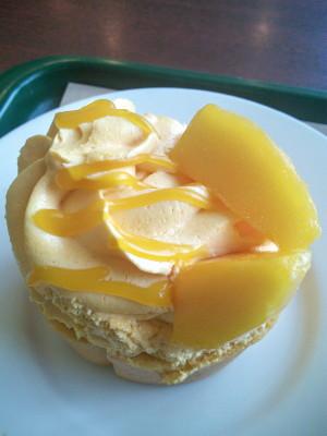 豆乳マンゴロール モスバーガー