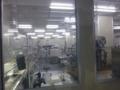 有機エレクトロニクス研究センターのクリーンルーム内