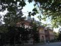 赤レンガのすぐ後ろに現道庁舎があります。