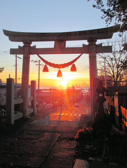 1024_朝陽&厳島神社.jpg