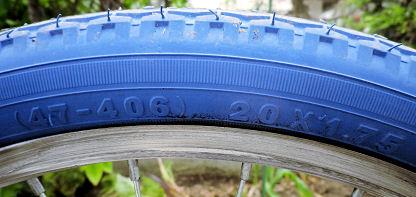 0705_青いタイヤ.jpg