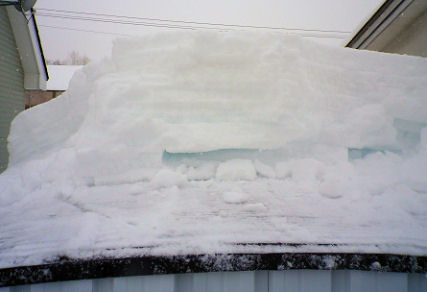 1220_車庫の雪.jpg
