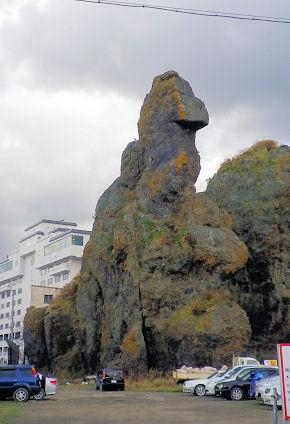 1108_ゴジラ岩下から目線.jpg