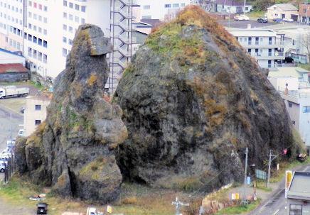 1108_ゴジラ岩上から目線.jpg