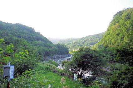 0801_神居コタン川の関所の上流.jpg