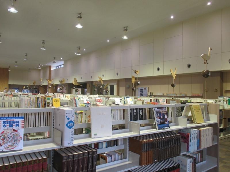 0418_図書館館内様子 (800x600).jpg