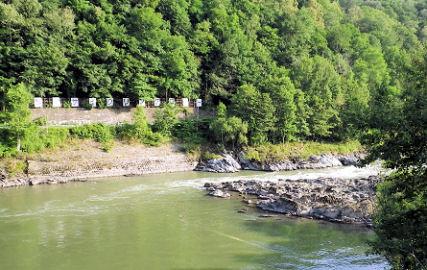 0801_神居コタン川の関所その3.jpg
