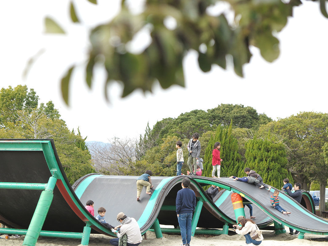 公園 ある 遊具 の 【大阪】子どもが喜ぶ公園おすすめ17選!遊具に動物ふれあいなど遊び場たくさん じゃらんニュース