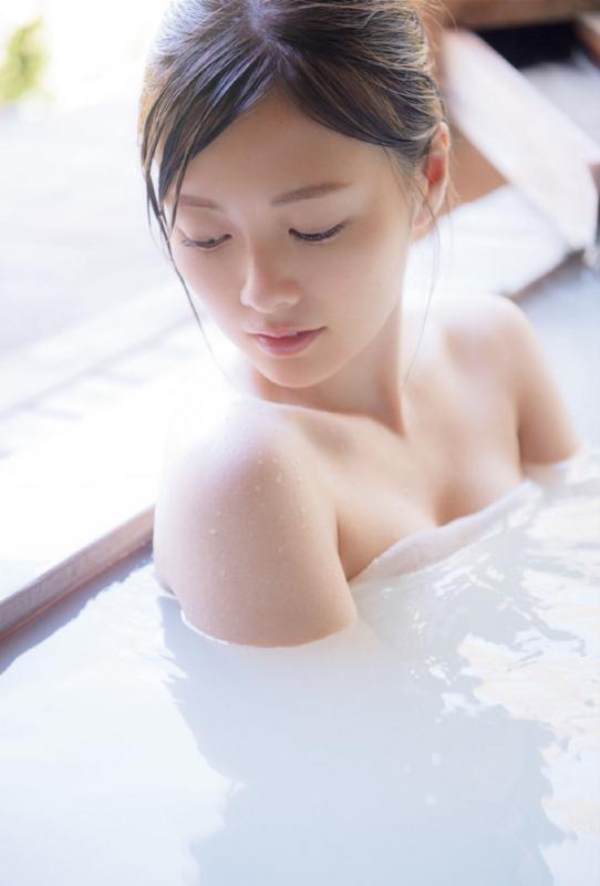 白石麻衣 下着 水着 画像:20180106215914j:plain