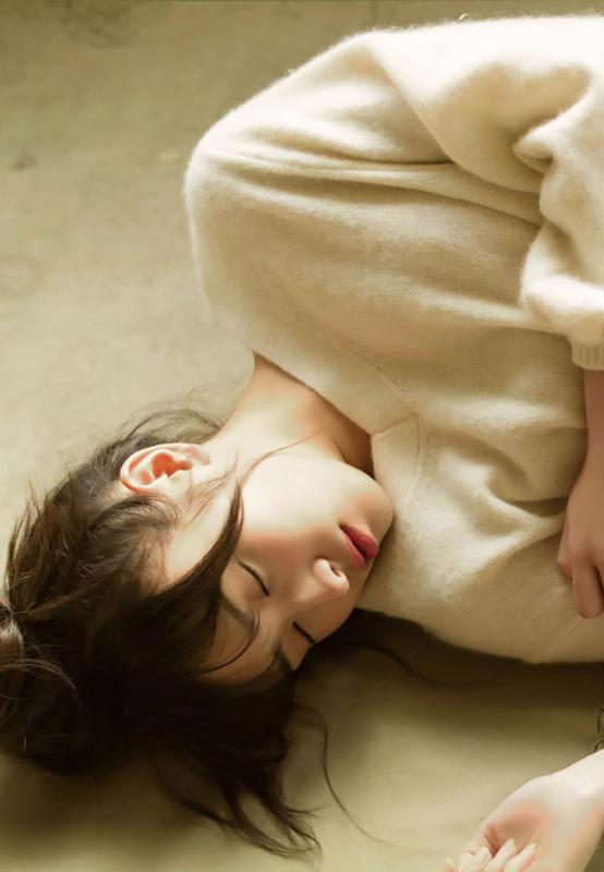 渡辺梨加の寝顔