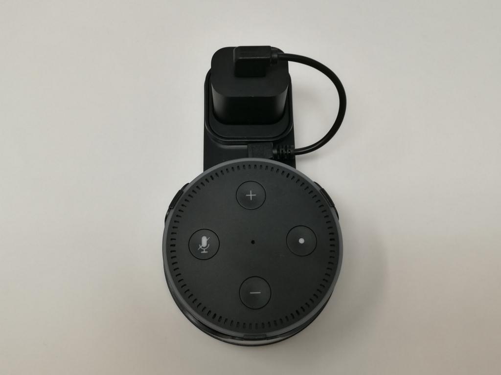 iniko Echo Dot専用壁掛け式ハンガーとEcho Dotを合体