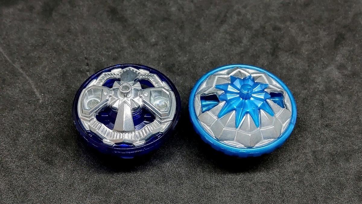 左:Cm(チャージメタル)・右:Ch(チャージ)